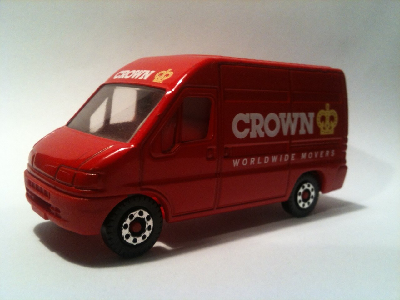 Crown bus